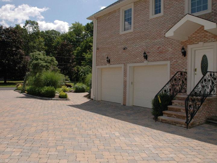Pavers and driveway 2-720x540